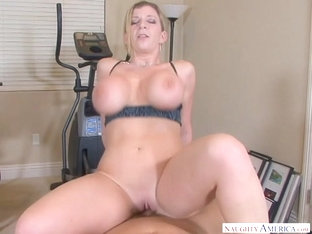 Sara Jay & Christian In Housewife1on1