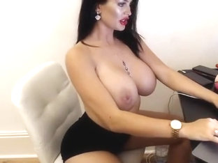 Uk_boss_babe Huge Boobs Topless
