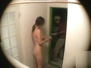 Slender Girl Takes Pizza Delivery In The Nude