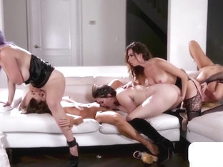 Covenant Of Vampire Babes Lick And Tribbing To Turn A Girl