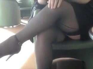 Chubby Exhibitionist Upskirt At Coffee Shop