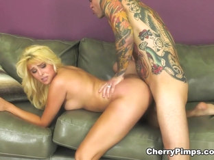 Small Hands & Stephanie West In Brand New Beauty - Wildoncam