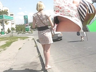 Gripping Street Upskirt With Sexy Mother I'd Like To Fuck