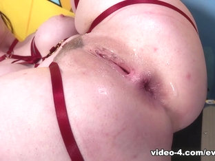 Anal interracial pour Angel Long