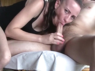 Sexy Girl Slurping Out All T...