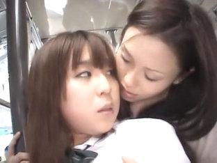 il la baise dans le bus plan de cul