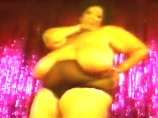 Cajun Queen Stripping On Stage!