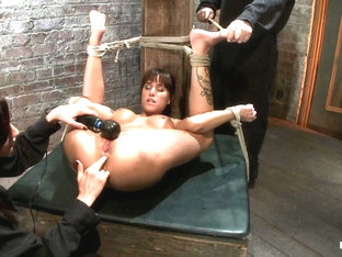 Gia Dimarco In Squirt Fest 2010like A Fucking Fountain - Hogtied