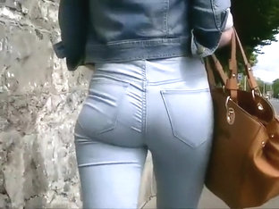 Ass In Jeans That You'd Want To Pinch
