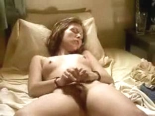 My Lovely Gf Masturbates On Cam