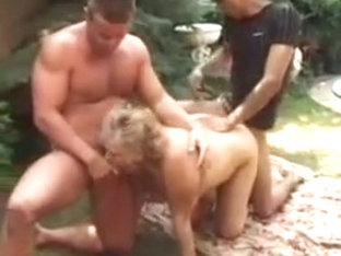 Hungarian BBW Granny Lotta Double Penetration Outside