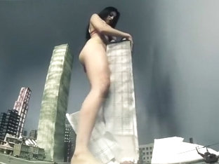 Giantess Jasmine