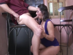 Voluptuous Cougar Persia Monir Has A Hairy Peach Longing For Action