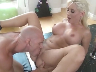 Handsome Blonde Sammie Spades Perfroming In Hot Sport Porn Video