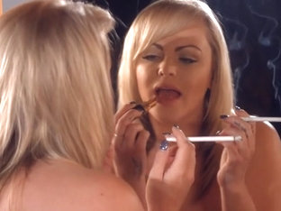 Es Charley Green Smoking And Makeup