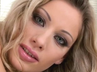 Handsome Babe Marilyn Cole Masturbates In The Kitchen